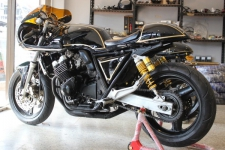 CB400-SUPPER-FOUR-CAFERACER-Custom by Dark Zero