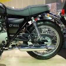 CT400 VS SR400